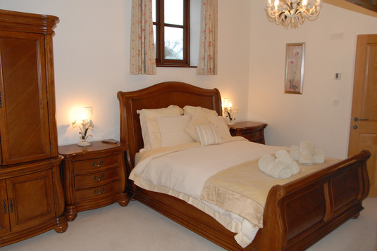 Holiday cottages North Devon Luxury bed
