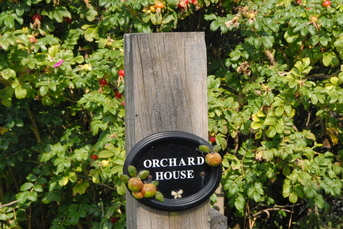Orchard House Holiday Cottage Bideford Sign